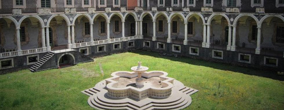 Chiostro dei marmi nel Monastero dei Benedettini di Catania